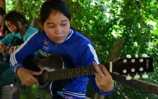 CFI-childrens-future-sreymom-guitar